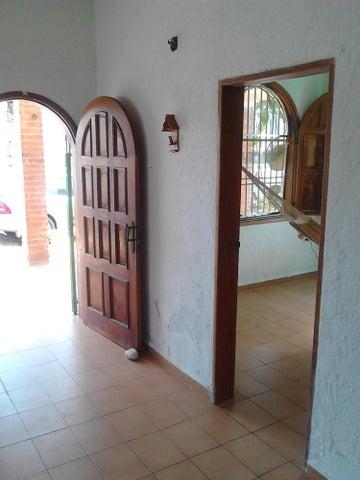 Casa Falcon>Chichiriviche>Playa Norte - Venta:10.000 Precio Referencial - codigo: 21-14304