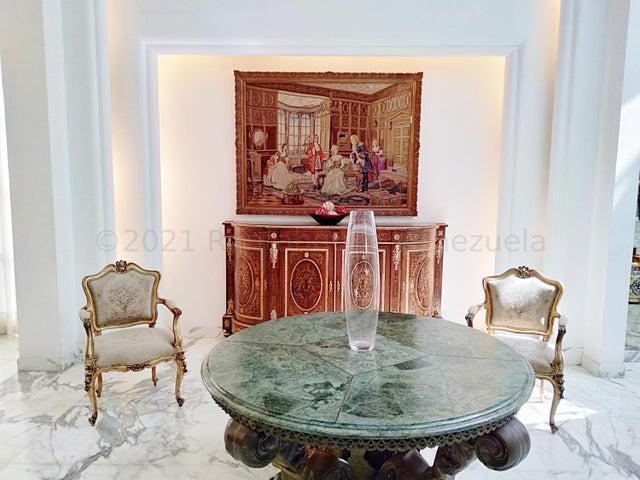 Casa Distrito Metropolitano>Caracas>Los Naranjos del Cafetal - Venta:770.000 Precio Referencial - codigo: 21-14486