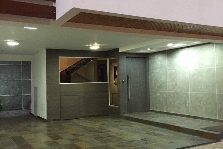 Townhouse Zulia>Maracaibo>Avenida El Milagro - Venta:310.000 Precio Referencial - codigo: 21-14574