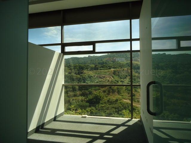 Local Comercial Distrito Metropolitano>Caracas>Macaracuay - Alquiler:850 Precio Referencial - codigo: 21-14787