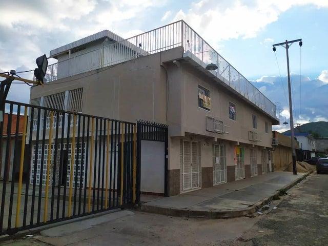 Casa Carabobo>Valencia>Los Caobos - Venta:45.000 Precio Referencial - codigo: 21-14423