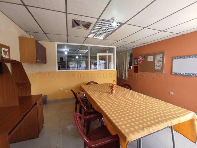 Galpon - Deposito Zulia>Maracaibo>La Limpia - Venta:120.000 Precio Referencial - codigo: 21-3893
