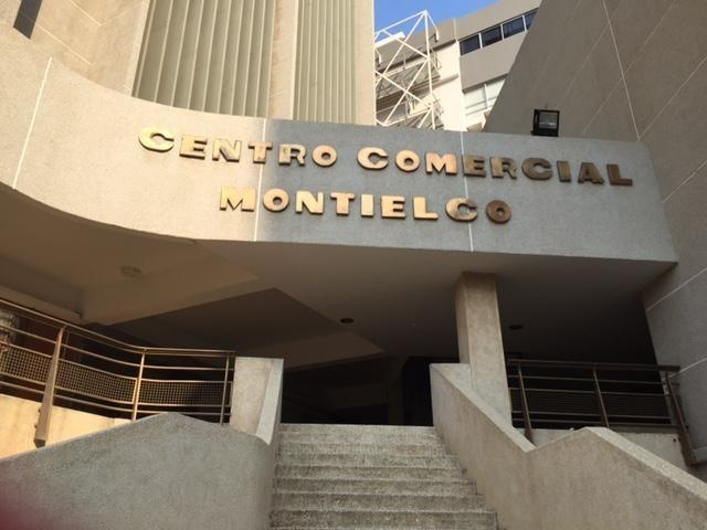 Oficina Zulia>Maracaibo>Calle 72 - Venta:22.000 Precio Referencial - codigo: 21-14657