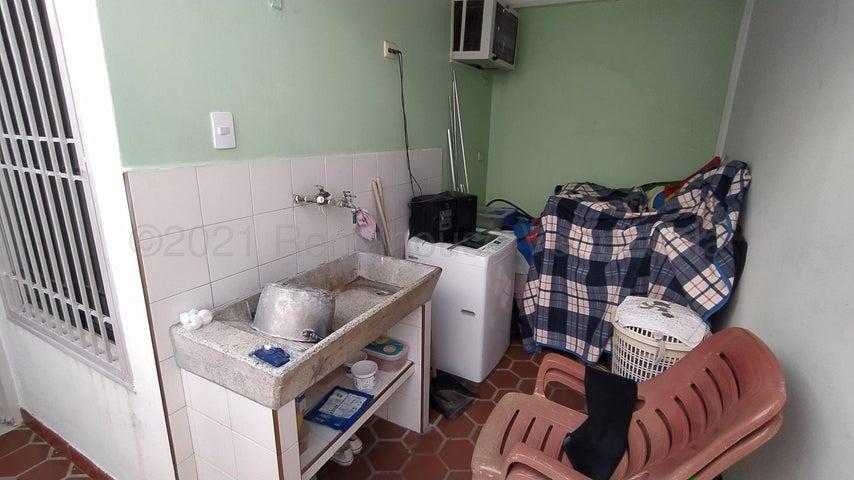 Casa Lara>Cabudare>El Amanecer - Venta:13.000 Precio Referencial - codigo: 21-14667