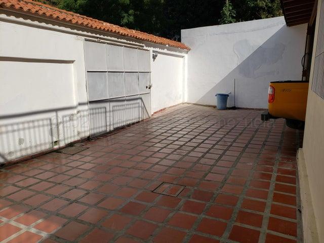 Casa Distrito Metropolitano>Caracas>Colinas de Bello Monte - Venta:200.000 Precio Referencial - codigo: 21-14706