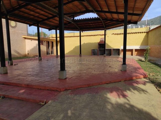 Townhouse Carabobo>Municipio Naguanagua>El Rincon - Venta:65.000 Precio Referencial - codigo: 21-14754