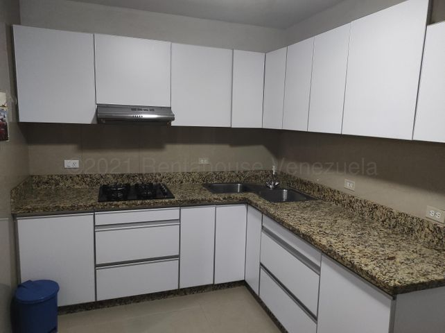 Apartamento Carabobo>Valencia>Los Colorados - Venta:20.000 Precio Referencial - codigo: 21-14862