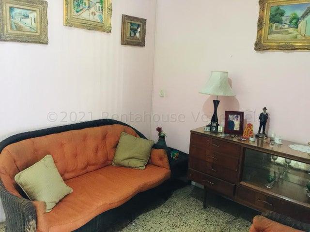 Casa Lara>Barquisimeto>Zona Este - Venta:43.000 Precio Referencial - codigo: 21-15324