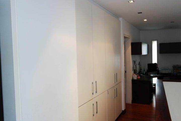 Casa Distrito Metropolitano>Caracas>Oripoto - Venta:350.000 Precio Referencial - codigo: 21-14970