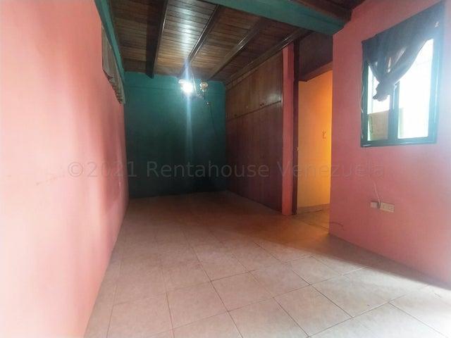 Casa Lara>Cabudare>El Paraiso - Venta:13.000 Precio Referencial - codigo: 21-14996