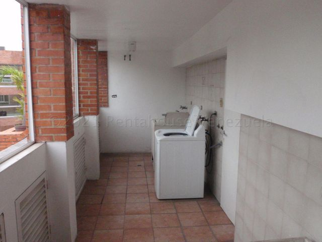 Apartamento Distrito Metropolitano>Caracas>Los Naranjos de Las Mercedes - Venta:69.000 Precio Referencial - codigo: 21-15149