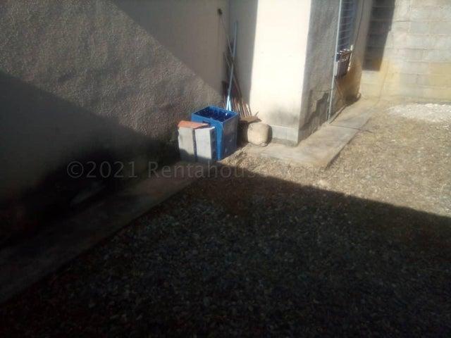 Casa Lara>Barquisimeto>Parroquia El Cuji - Venta:6.500 Precio Referencial - codigo: 21-15234