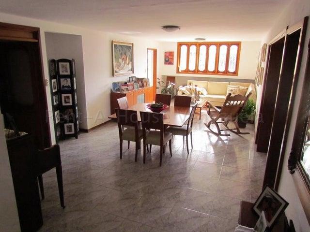 Apartamento Distrito Metropolitano>Caracas>Cumbres de Curumo - Venta:200.000 Precio Referencial - codigo: 21-15483
