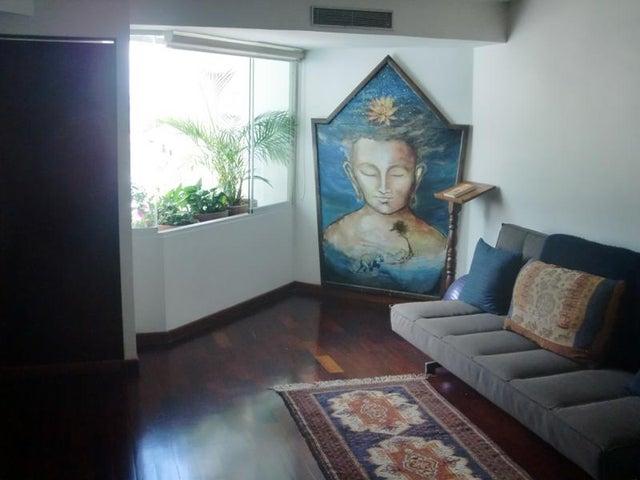 Apartamento Distrito Metropolitano>Caracas>Los Palos Grandes - Venta:320.000 Precio Referencial - codigo: 21-15540