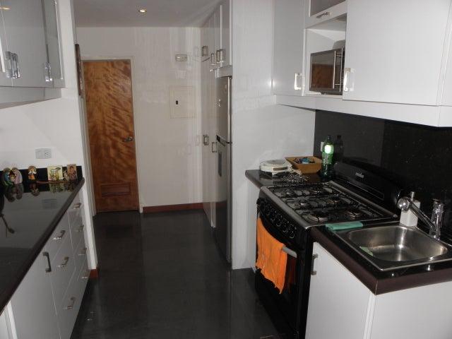 Apartamento Distrito Metropolitano>Caracas>Miravila - Venta:18.000 Precio Referencial - codigo: 21-15545