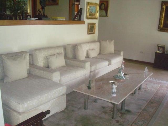 Casa Distrito Metropolitano>Caracas>El Peñon - Venta:270.000 Precio Referencial - codigo: 21-15676
