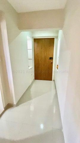 Apartamento Distrito Metropolitano>Caracas>Colinas de Bello Monte - Venta:105.000 Precio Referencial - codigo: 21-15964