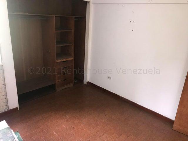 Apartamento Miranda>Los Teques>Los Teques - Venta:13.000 Precio Referencial - codigo: 21-15726