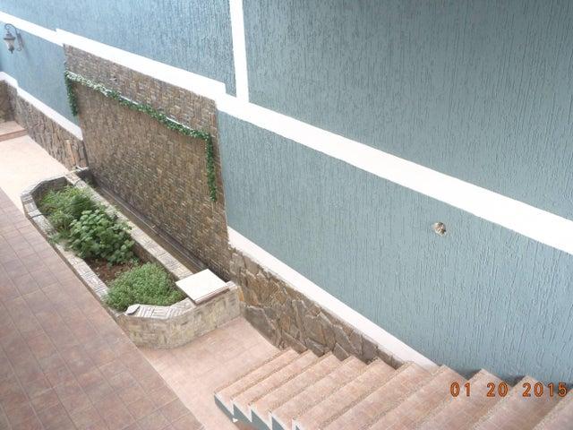 Casa Miranda>Charallave>Santa Rosa de Charallave - Venta:150.000 Precio Referencial - codigo: 21-15732