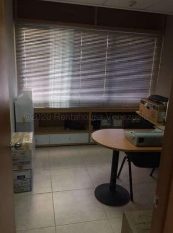 Oficina Miranda>San Antonio de los Altos>Las Minas - Venta:450.000 Precio Referencial - codigo: 21-15748
