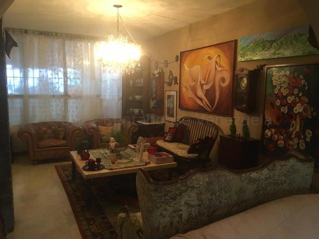Casa Distrito Metropolitano>Caracas>Alta Florida - Venta:160.000 Precio Referencial - codigo: 21-15846