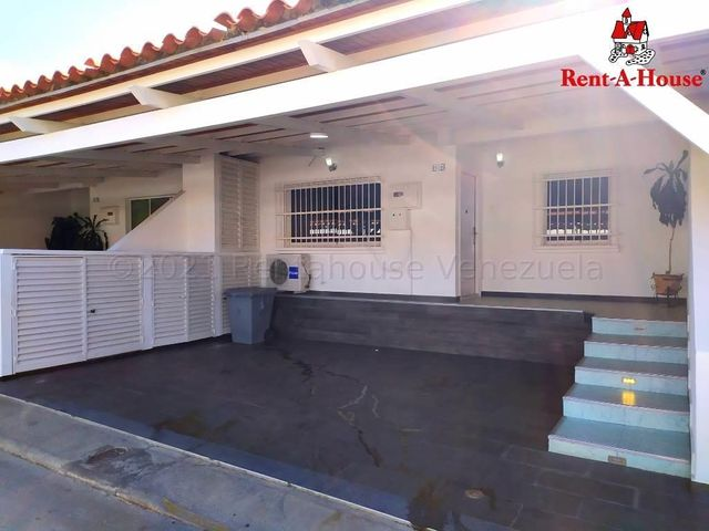 Casa Lara>Cabudare>La Mora - Venta:35.000 Precio Referencial - codigo: 21-15908
