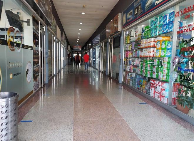 Local Comercial Aragua>Maracay>Avenida Bolivar - Venta:17.500 Precio Referencial - codigo: 21-16288