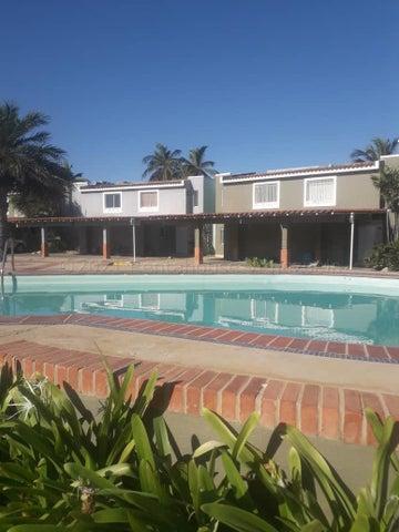 Townhouse Zulia>Maracaibo>Lago Mar Beach - Alquiler:350 Precio Referencial - codigo: 21-16382
