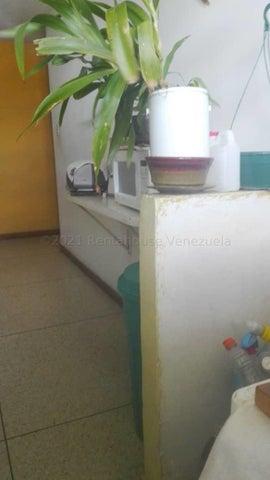 Apartamento Miranda>Los Teques>El Encanto - Venta:13.000 Precio Referencial - codigo: 21-16061