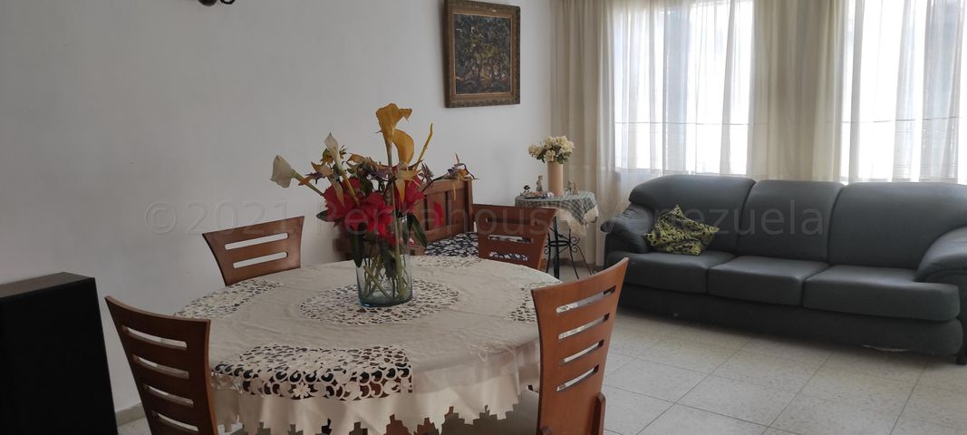 Casa Aragua>Maracay>San Carlos - Venta:18.900 Precio Referencial - codigo: 21-16132