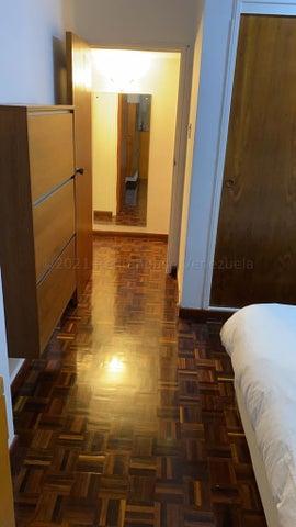 Apartamento Distrito Metropolitano>Caracas>Los Palos Grandes - Alquiler:1.000 Precio Referencial - codigo: 21-16891