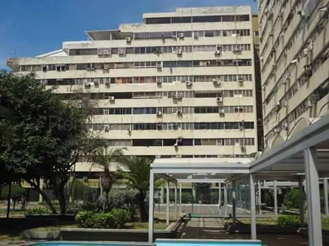 Apartamento Vargas>Parroquia Caraballeda>Caribe - Venta:11.500 Precio Referencial - codigo: 21-16183