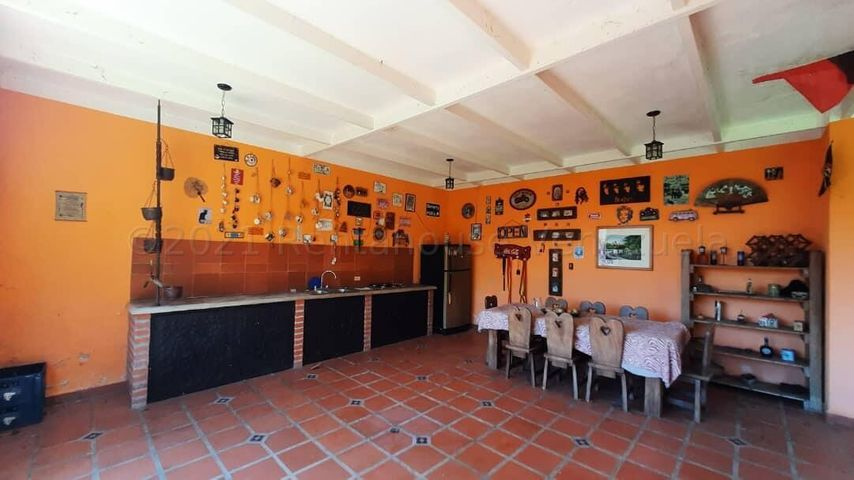 Casa Carabobo>Municipio Naguanagua>La Entrada - Venta:350.000 Precio Referencial - codigo: 21-16196