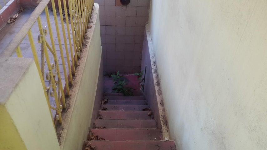 Casa Distrito Metropolitano>Caracas>El Paraiso - Venta:65.000 Precio Referencial - codigo: 21-16215