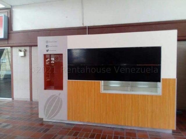 Local Comercial Distrito Metropolitano>Caracas>Prados del Este - Venta:7.000 Precio Referencial - codigo: 21-16801