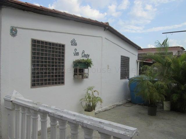 Casa Miranda>Cua>Quebrada de Cua - Venta:9.500 Precio Referencial - codigo: 21-16350