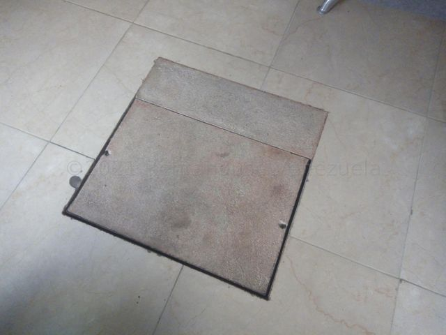 Apartamento Lara>Cabudare>La Mora - Venta:16.000 Precio Referencial - codigo: 21-16399