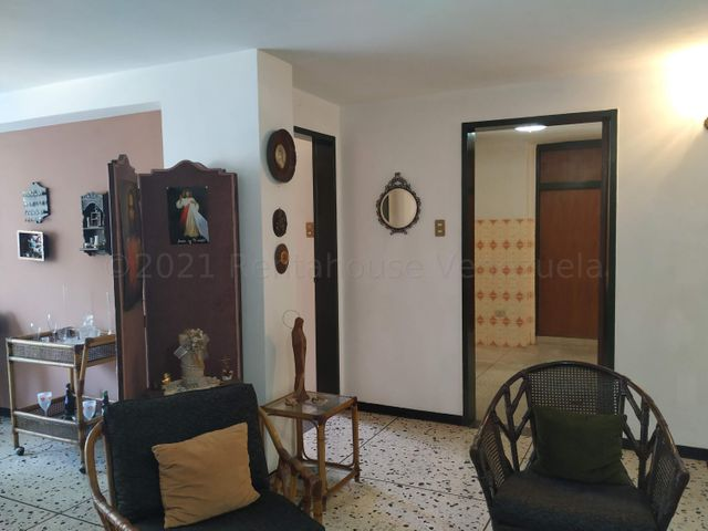 Apartamento Carabobo>Valencia>Los Nisperos - Venta:19.000 Precio Referencial - codigo: 21-16753