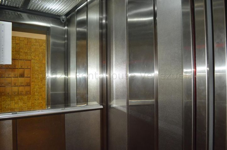 Apartamento Distrito Metropolitano>Caracas>Bello Campo - Alquiler:700 Precio Referencial - codigo: 21-16459