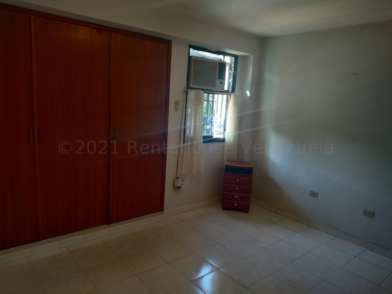 Apartamento Carabobo>Municipio Naguanagua>La Granja - Venta:22.000 Precio Referencial - codigo: 21-16474