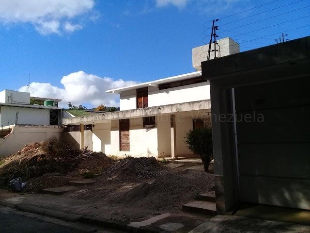 Casa Distrito Metropolitano>Caracas>El Cafetal - Venta:220.000 Precio Referencial - codigo: 21-16510