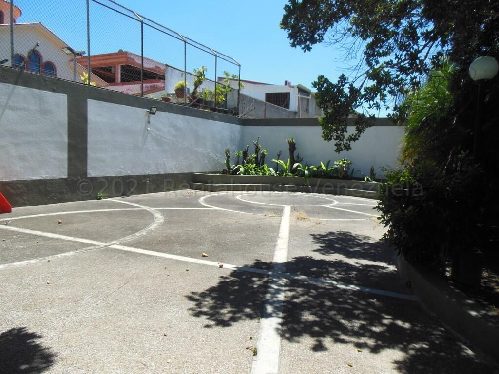 Apartamento Distrito Metropolitano>Caracas>La Florida - Venta:195.000 Precio Referencial - codigo: 21-16894