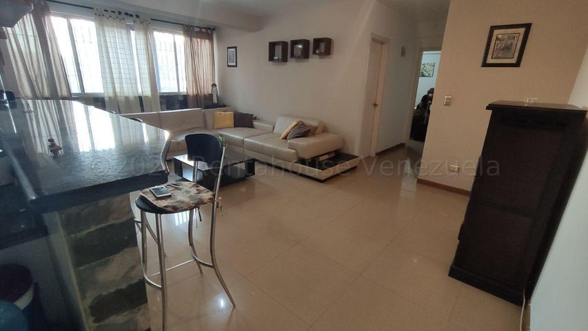Apartamento Distrito Metropolitano>Caracas>Los Dos Caminos - Venta:60.000 Precio Referencial - codigo: 21-16817