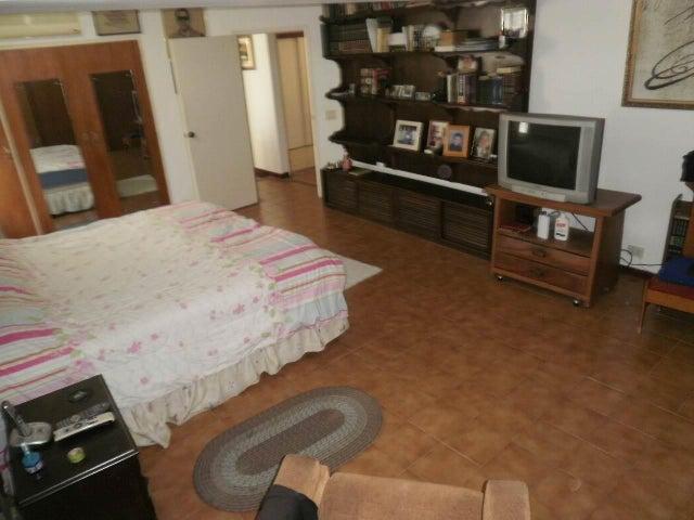 Apartamento Distrito Metropolitano>Caracas>El Cigarral - Venta:60.000 Precio Referencial - codigo: 21-16832