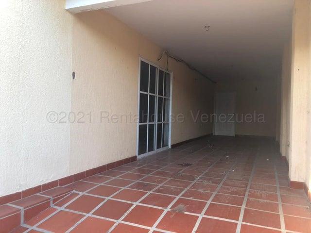 Townhouse Zulia>Maracaibo>Avenida Milagro Norte - Venta:70.000 Precio Referencial - codigo: 21-16880