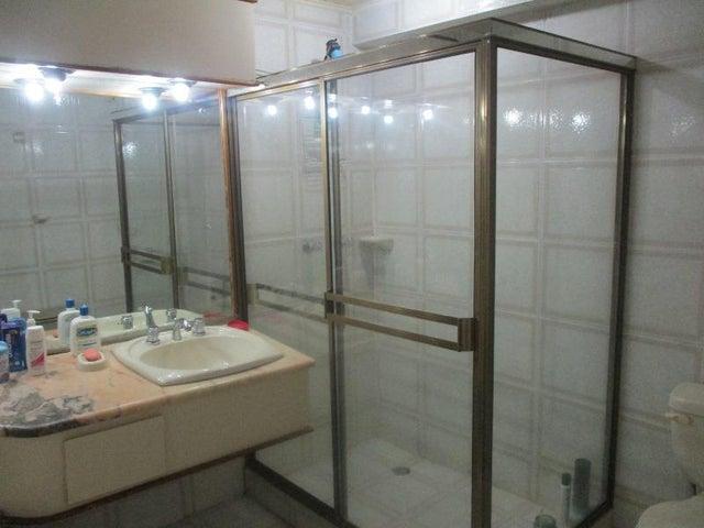 Apartamento Nueva Esparta>Margarita>Costa Azul - Venta:35.000 Precio Referencial - codigo: 21-16871