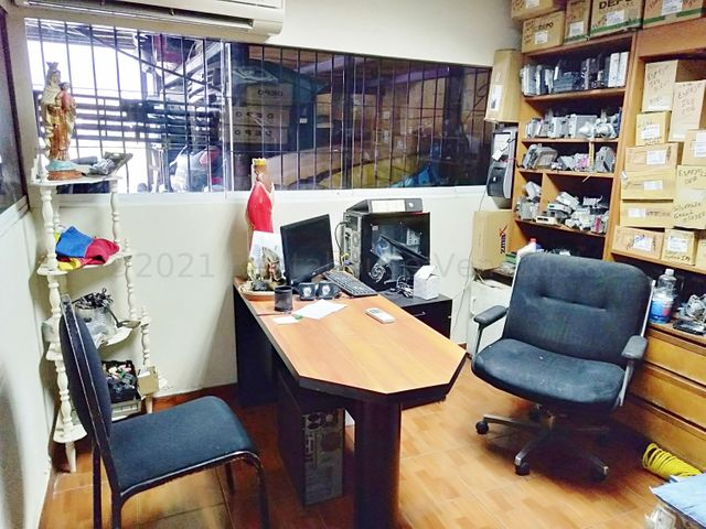 Galpon - Deposito Distrito Metropolitano>Caracas>La Yaguara - Venta:1.500.000 Precio Referencial - codigo: 21-17005