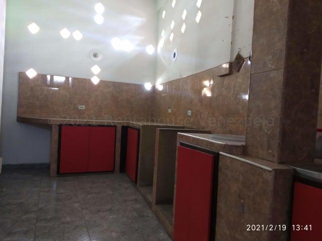 Casa Carabobo>Valencia>Avenida Bolivar Norte - Venta:60.000 Precio Referencial - codigo: 21-16941