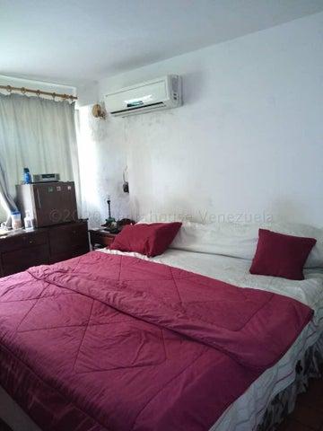 Casa Distrito Metropolitano>Caracas>Terrazas del Club Hipico - Venta:140.000 Precio Referencial - codigo: 21-16925