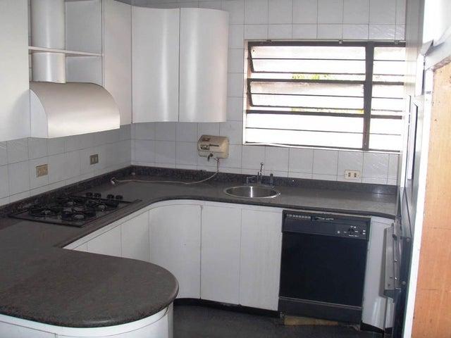 Casa Distrito Metropolitano>Caracas>Las Palmas - Venta:160.000 Precio Referencial - codigo: 21-16940